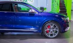 Audi-SQ8-7