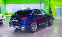 Audi-SQ8-8