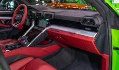 Lamborghini-Urus-green-13