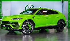 Lamborghini-Urus-green-3