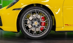 Porsche-992-Carrera-4S-5