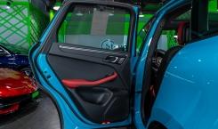 2021-Porsche-Macan-Blue-11