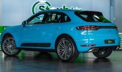2021-Porsche-Macan-Blue-2