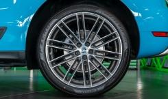 2021-Porsche-Macan-Blue-6