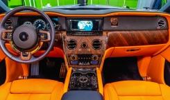 2020-Rolls-Royce-Cullinan-11