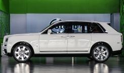 Rolls-Royce-Cullinan-06