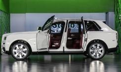 Rolls-Royce-Cullinan-08